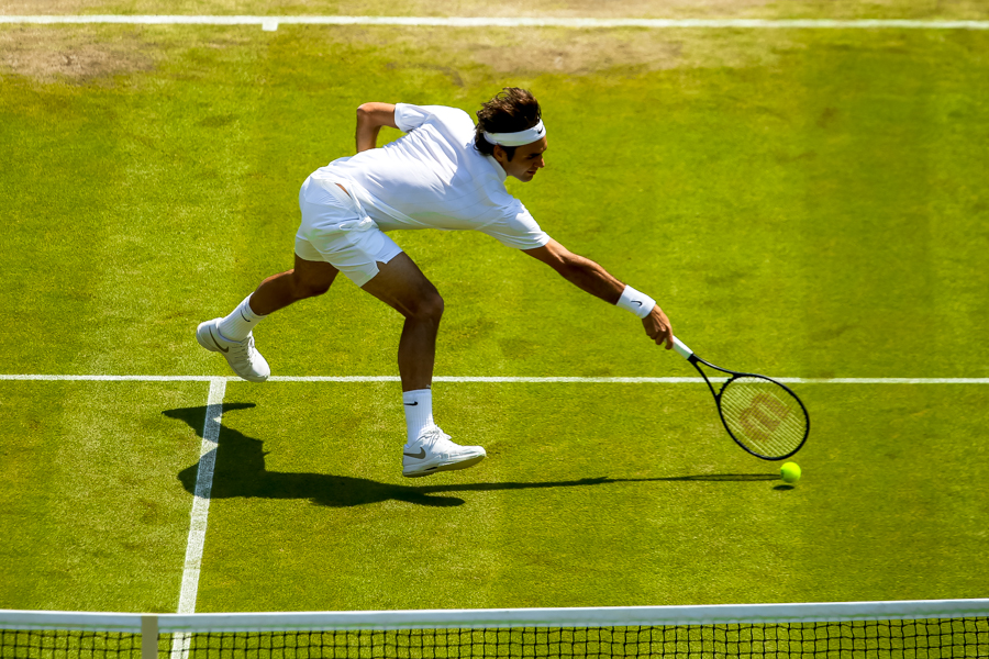 00-ad-Roger-Federer-Switzerland-LONDON-ENGLAND-WIMBLEDON-2014-DAY-8-TENNIS-VIEW-MAGAZINE-MAURICIO-PAIZ-37391-900px.jpg